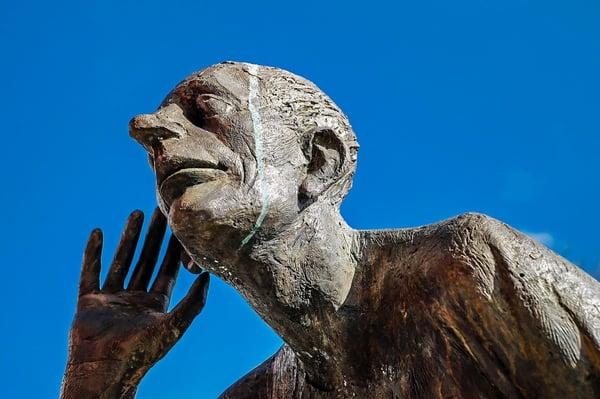 sculpture-man-hearing-wes-schaeffer